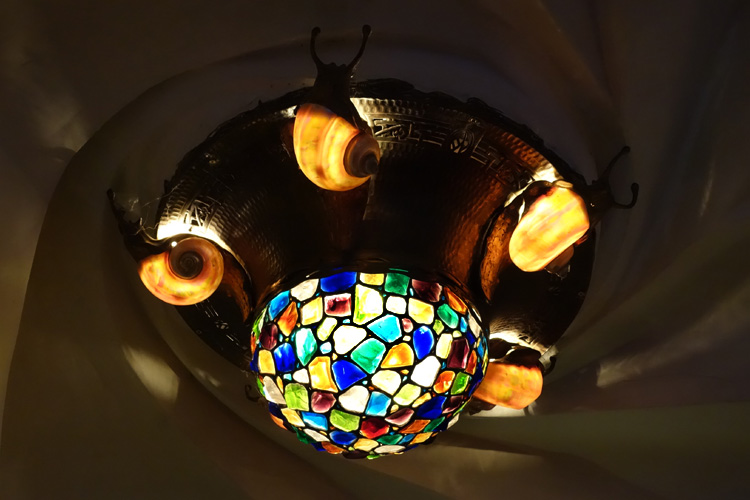 Chunk Glass Snail Ceiling Fixture