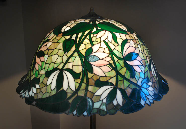 Suess Ornamental Glass Company, Lily Floor Lamp
