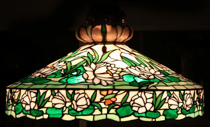 Colonial Art Glass Company, snowball Table Lamp