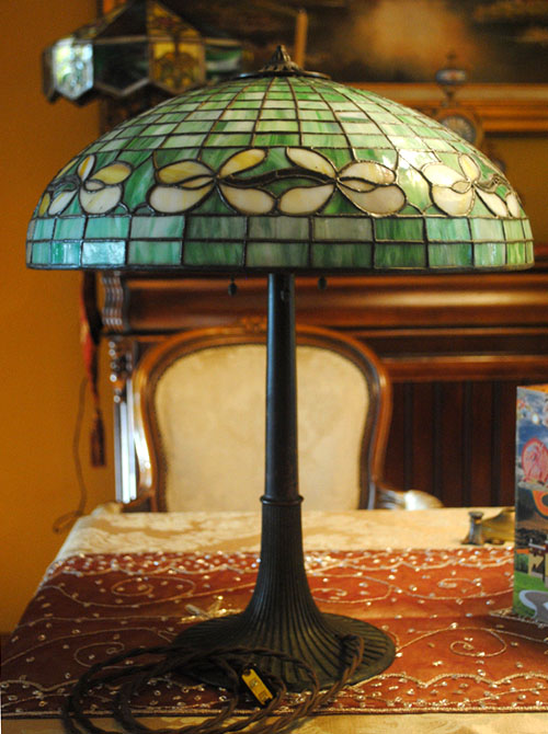 Suess Ornamental Floral Border Table Lamp